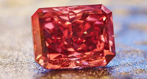 Rio Tinto Debuts Biggest Red Diamond in Tender History